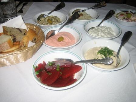 Kypriaki Salada – Cyprus Salad – Romaine, lettuce, cucumbers ...